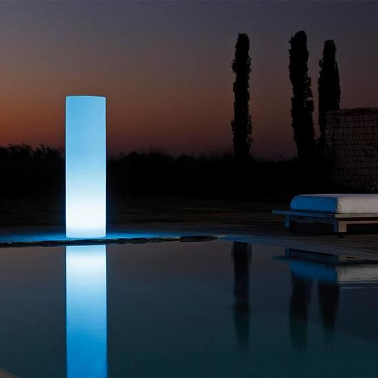 Colonnes lumineuses 2 by SMART & GREEN